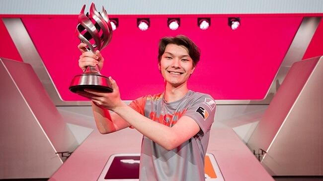 Sinatraa wins 2019 Overwatch League